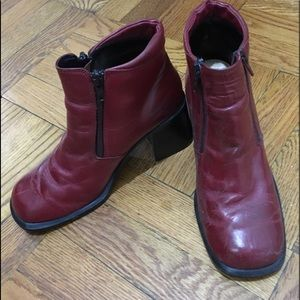 VINTAGE CHEERY RED SQUARE TOE BOOTIES